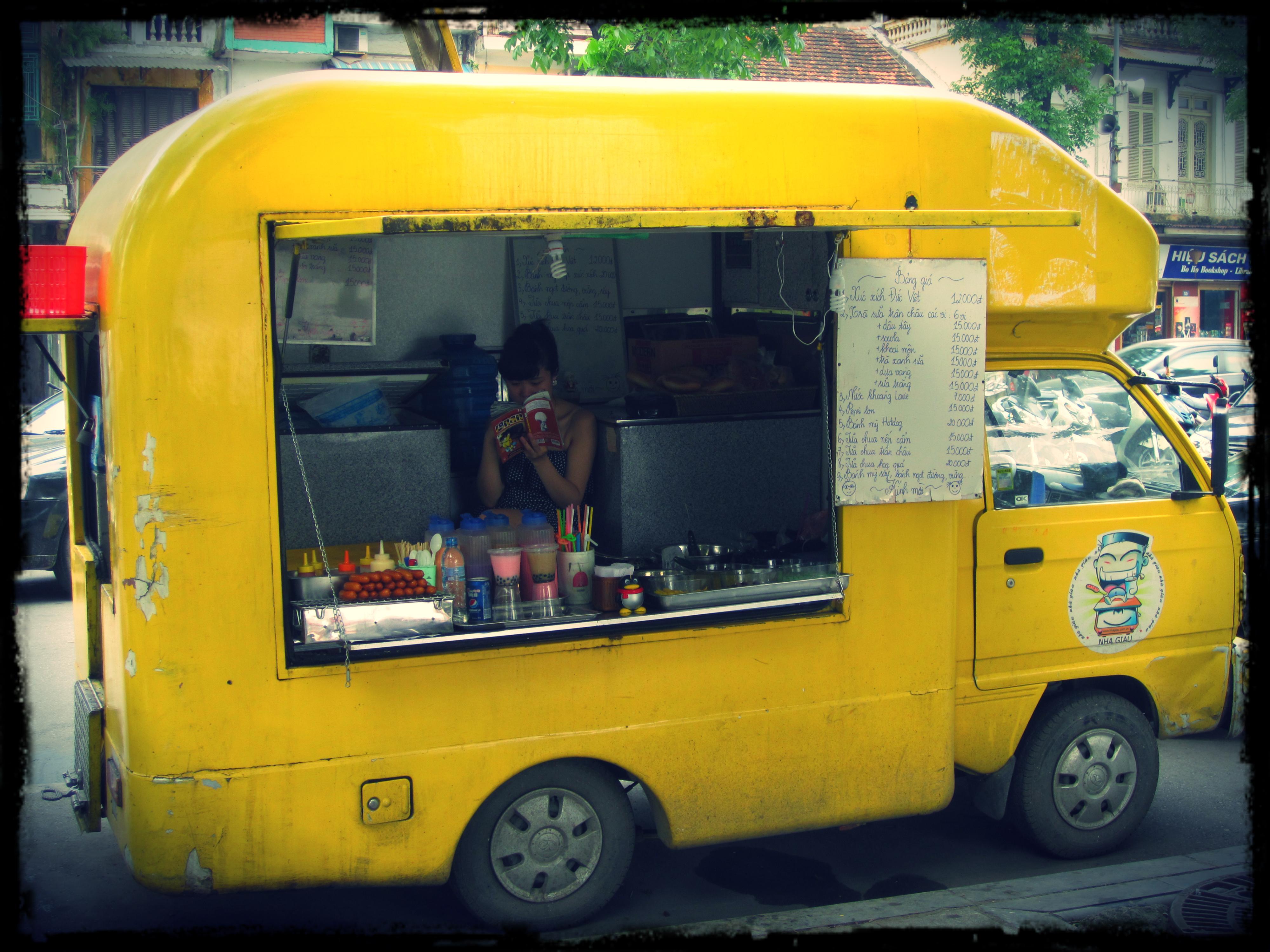 Food Trucks In Milan Italy